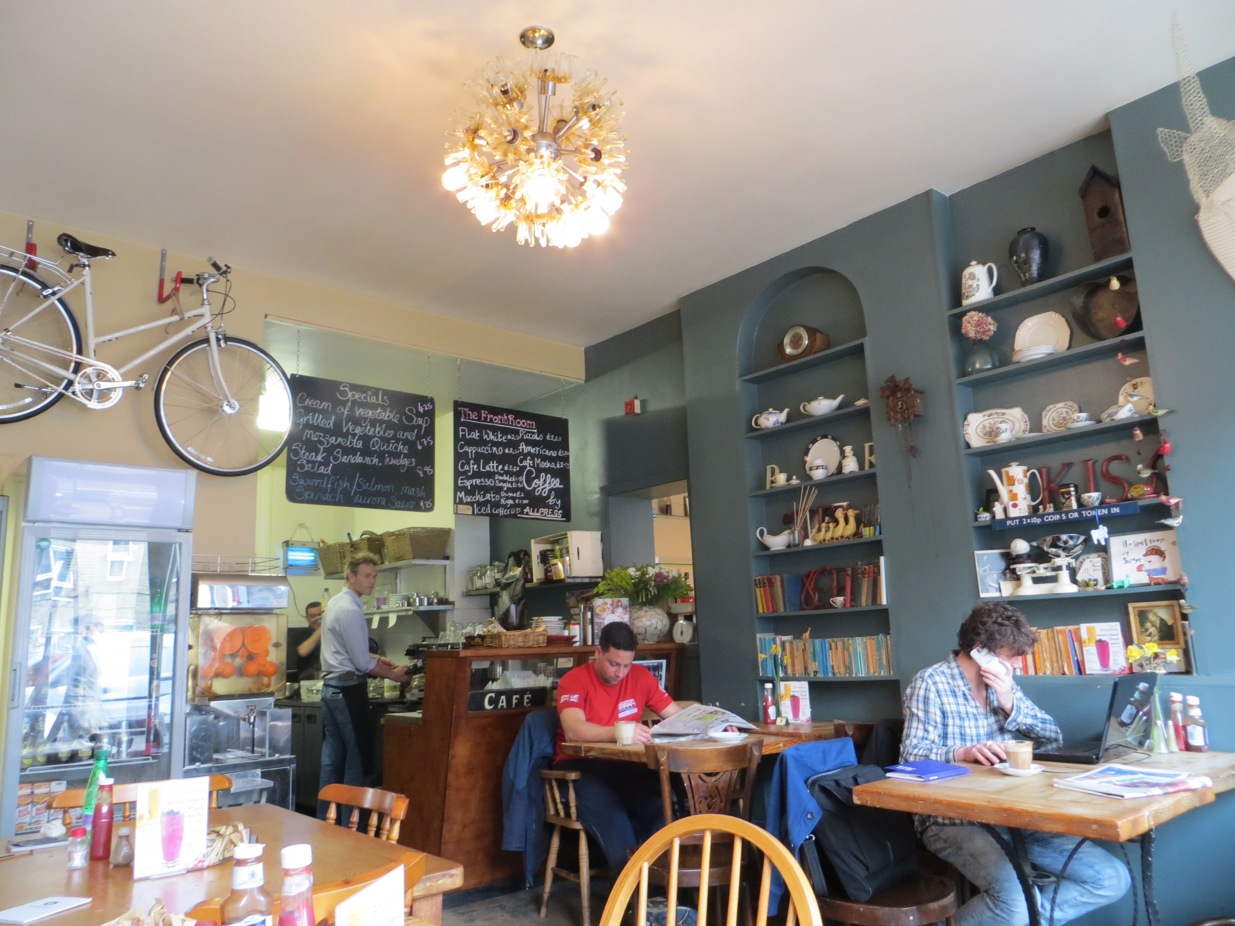 Review Front Room Cafe Finsbury Park